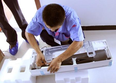 空调维修赚钱吗,空调安装师傅一个月能赚多少钱?