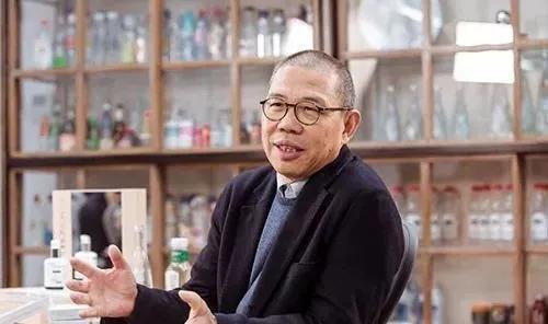 农夫山泉钟睒睒创始人创业发家史成为新的中国首富